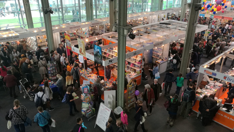 A Budapesti Nemzetközi Könyvfesztivál rengeteg érdeklődőt vonzott.