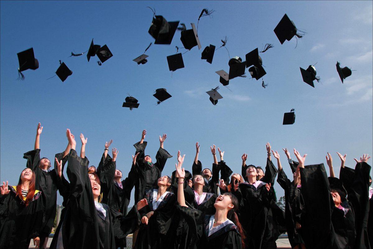 A felsőoktatás elvégzése közben számít az út, nem csak a bizonyítványt pipáljuk ki.