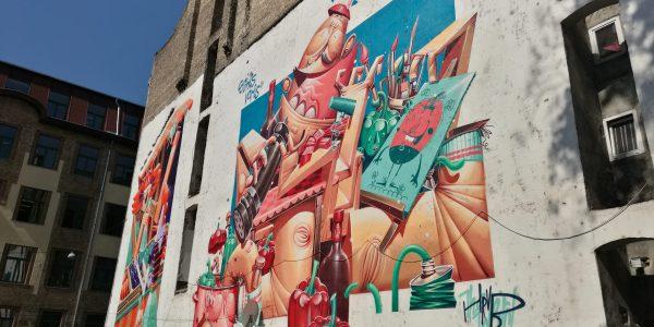 A Színes Város Budapest Fesztivál nyitóalkotásai a belvárosban.