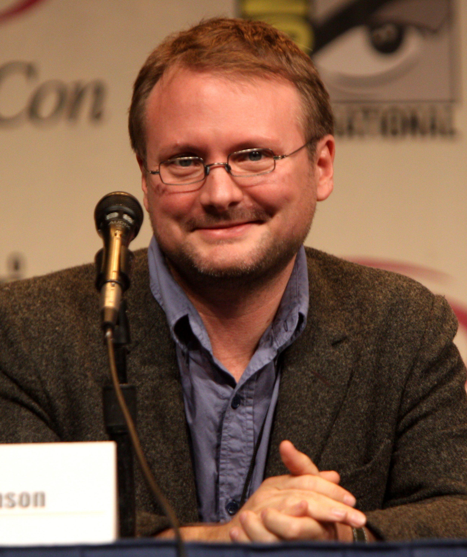 Rian Johnson neve még sokszor fel fog merülni a Csillagok Háborúja kapcsán.