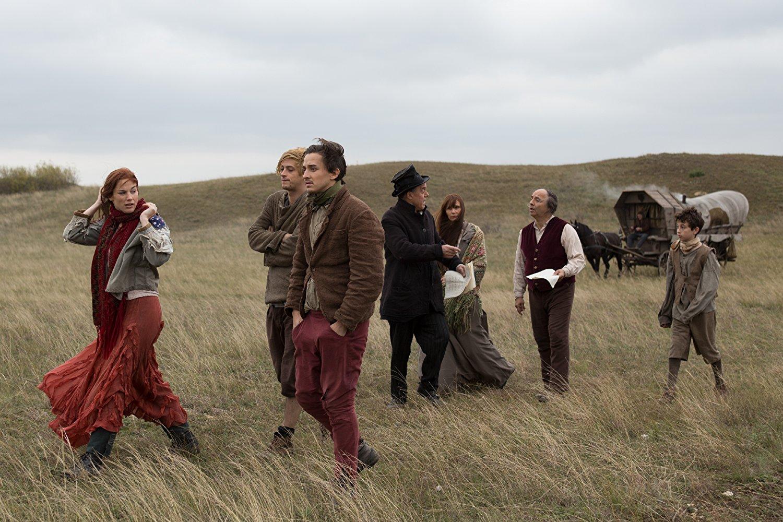 Vándorlás, viták, szépséges tájak a Vándorszínészek filmben. A történet viszont lemarad.
