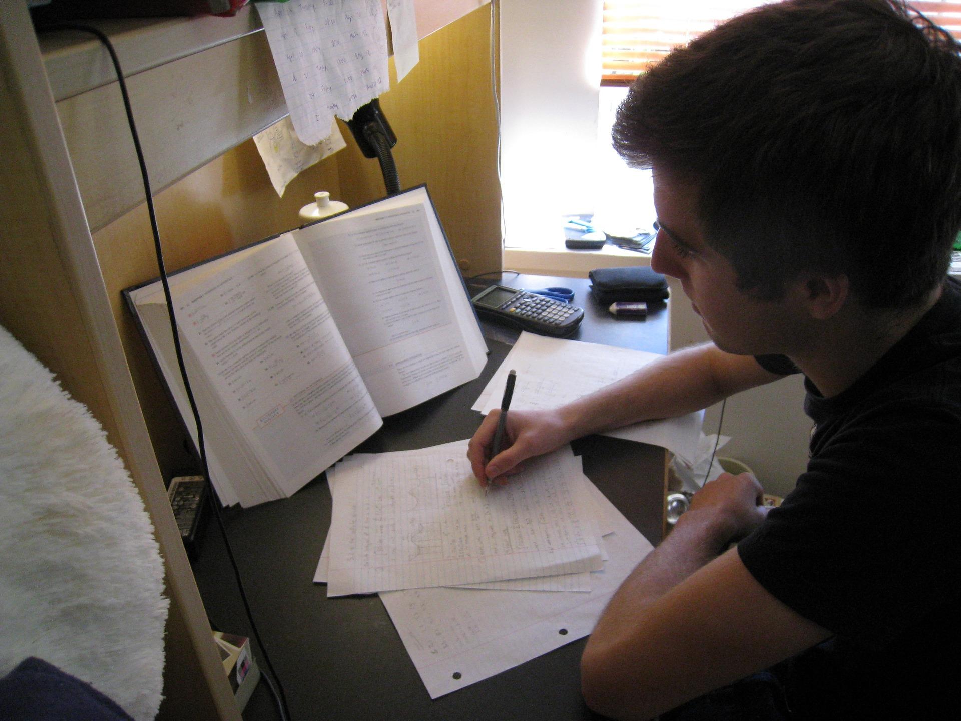 Három- négy évnyi információ összefoglalására alkalmas jegyzetelési technikára lesz szükséged a főiskola, egyetem alatt.