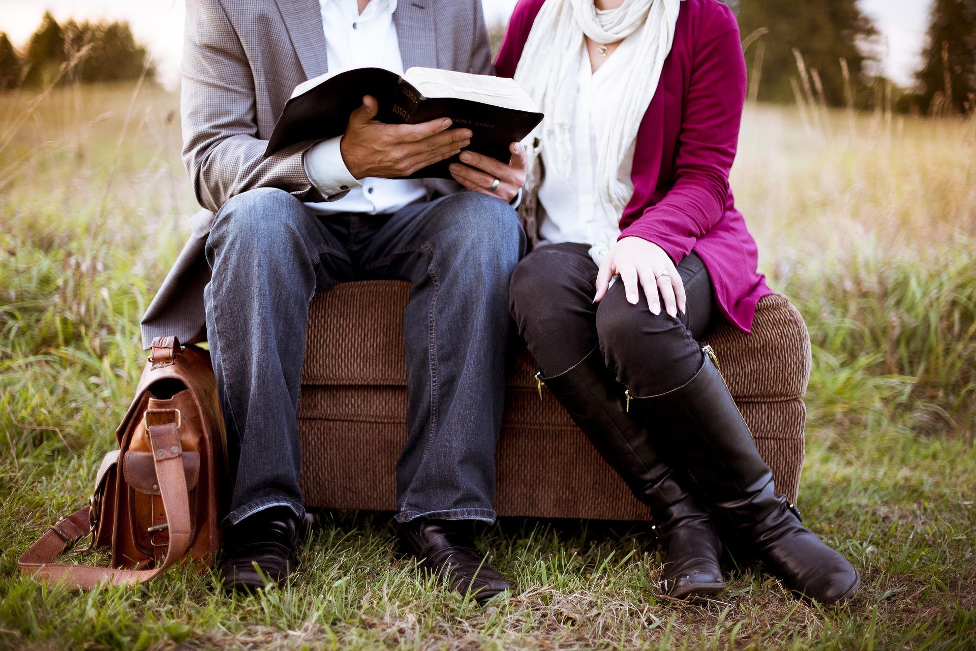Az olvasás segít, hogy megérts másokat.
